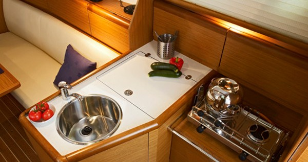 Hire Sailboat with or without skipper Jeanneau Yerseke