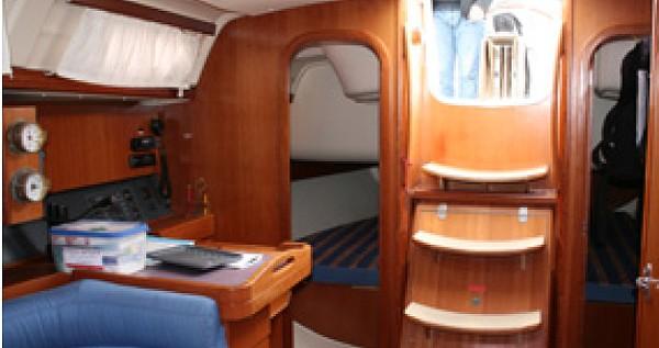 Rental Sailboat in Yerseke - Dufour Dufour 365 Grand Large