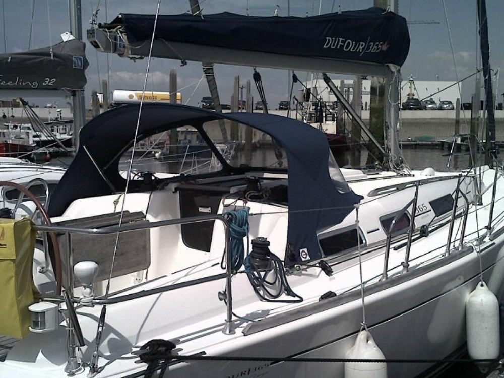 Rental Sailboat in  - Dufour Dufour 365