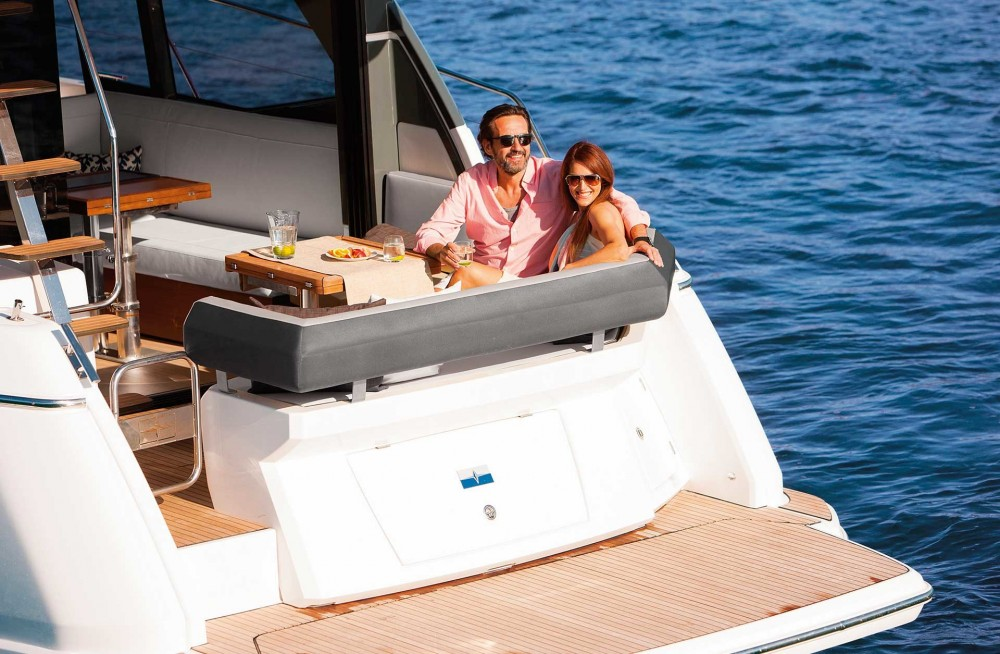 Rental Motor boat in Palma - Bavaria Bavaria R40 FLY