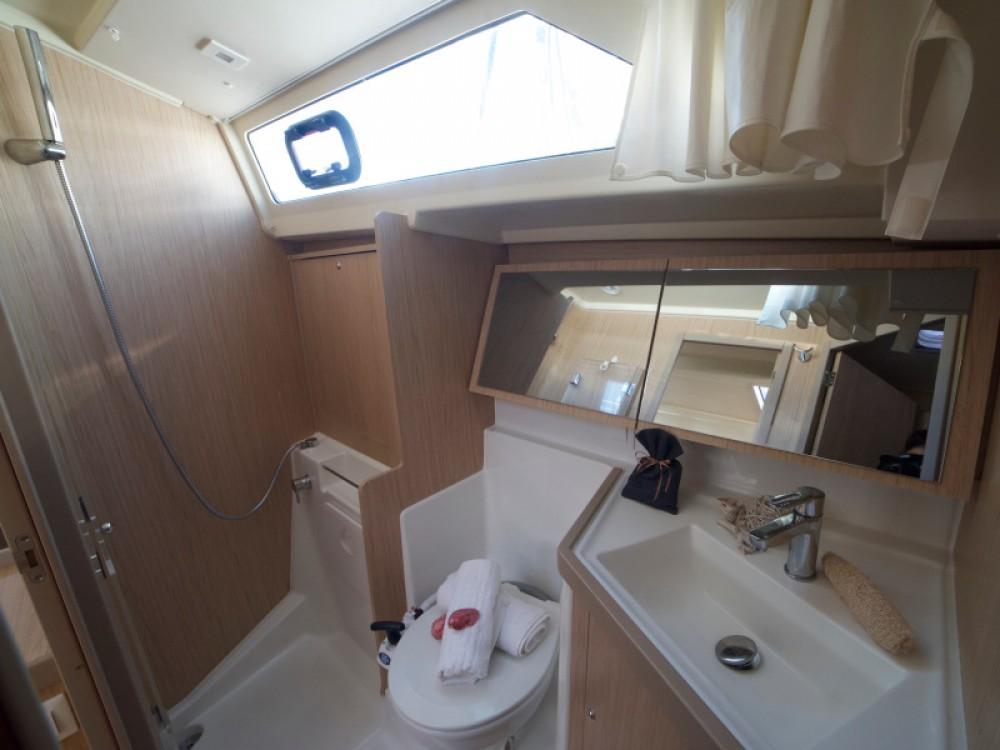 Rental yacht Alimos Marina - Bénéteau Oceanis 41.1 on SamBoat