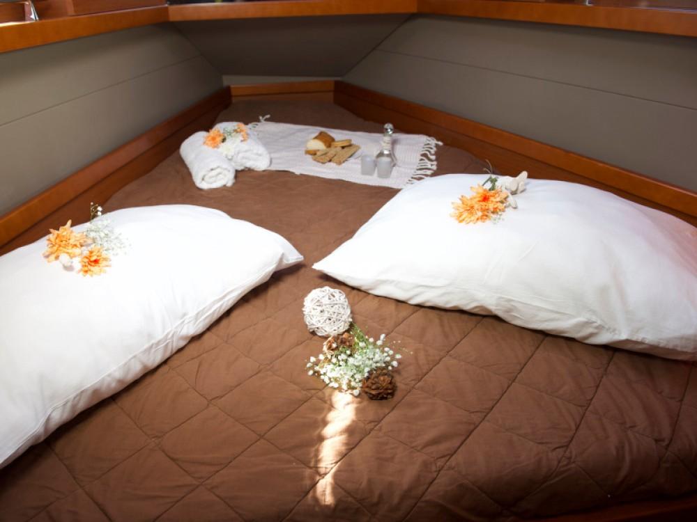 Rental yacht Μύκονος - Bénéteau Oceanis 41 on SamBoat
