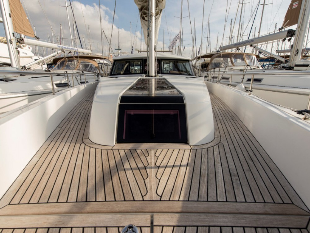 Boat rental Alimos Marina cheap Moody DS 45