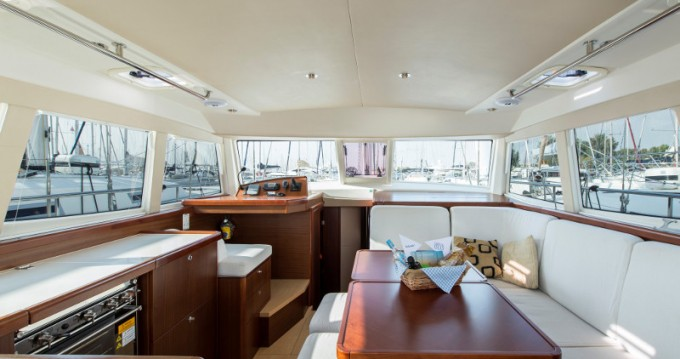 Hire Sailboat with or without skipper Moody Alimos