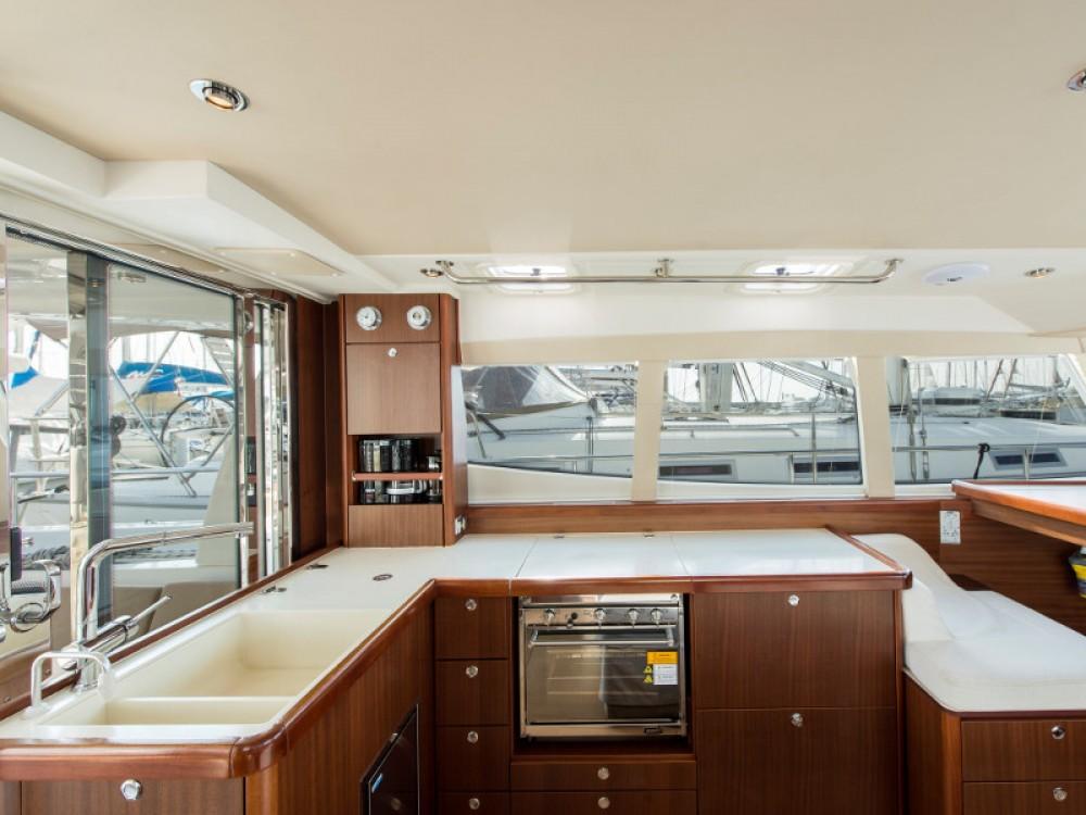 Boat rental Moody Moody DS 45 in Álimos on Samboat