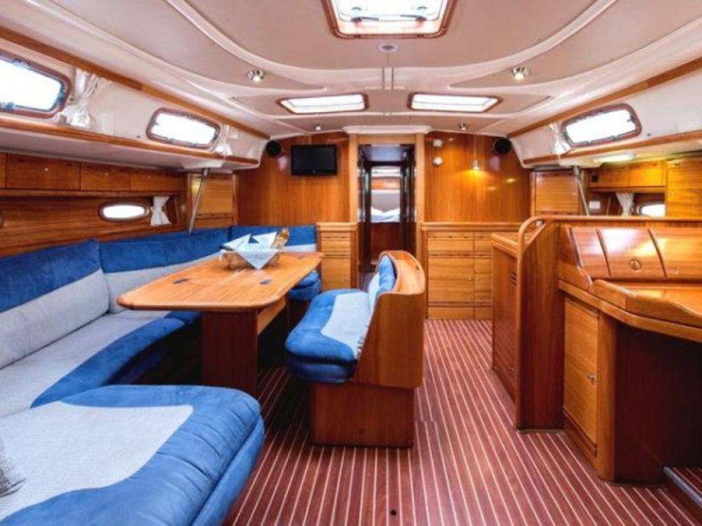 Rental Sailboat in Alimos Marina - Bavaria Bavaria 50 Cruiser
