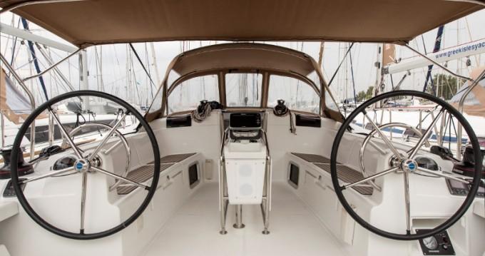 Boat rental Jeanneau Sun Odyssey 439 in Alimos on Samboat