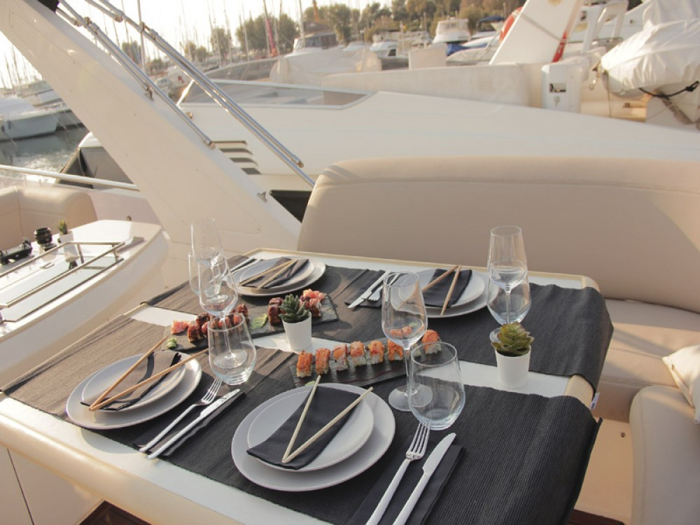 Hire Yacht with or without skipper Sealine Alimos Marina