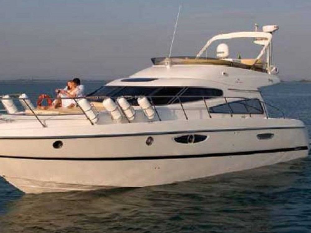 Hire Motorboat with or without skipper Cranchi Álimos