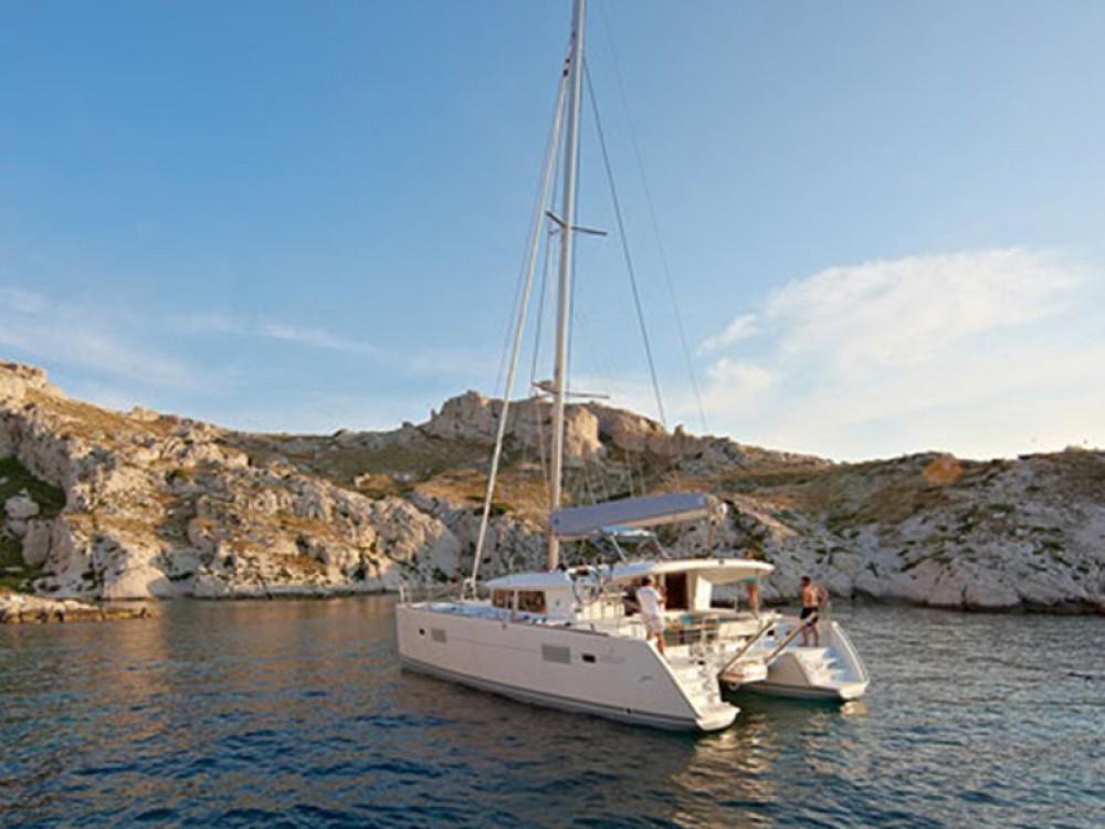 Rental Catamaran in Sant Antoni de Portmany - Lagoon Lagoon 400 S2
