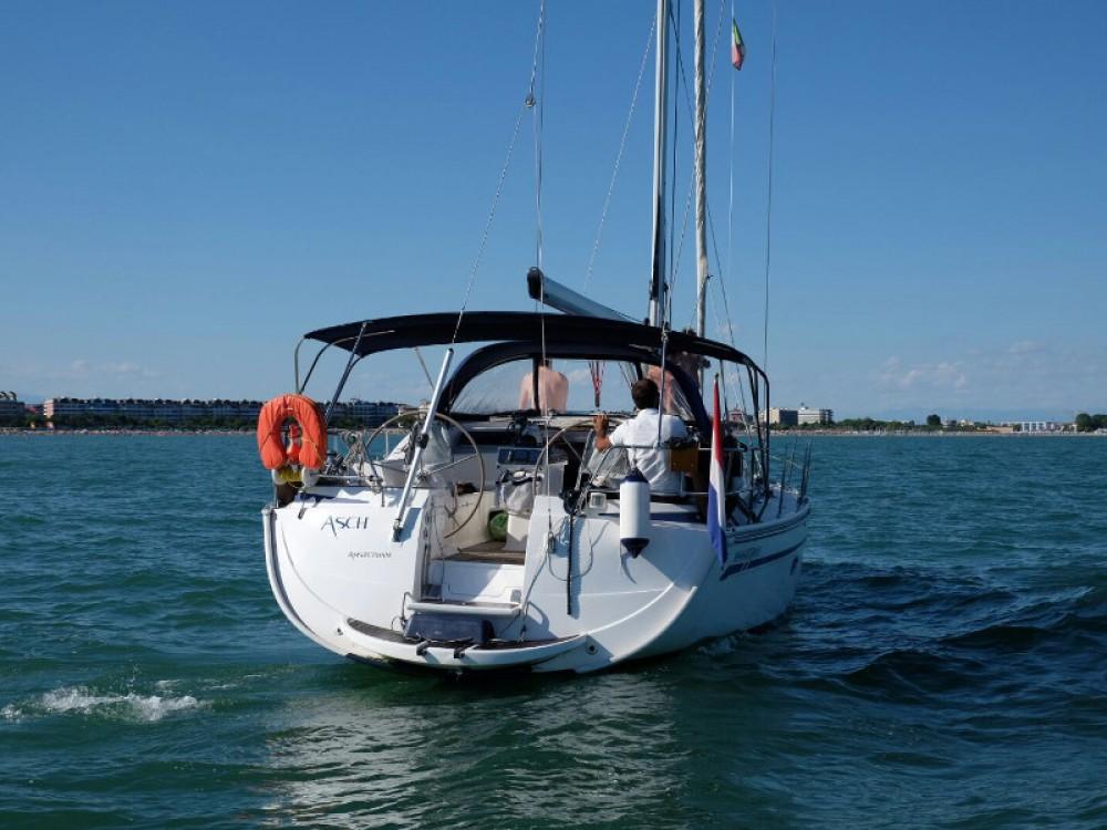 Boat rental Bavaria Bavaria 40 Vision in Caorle on Samboat