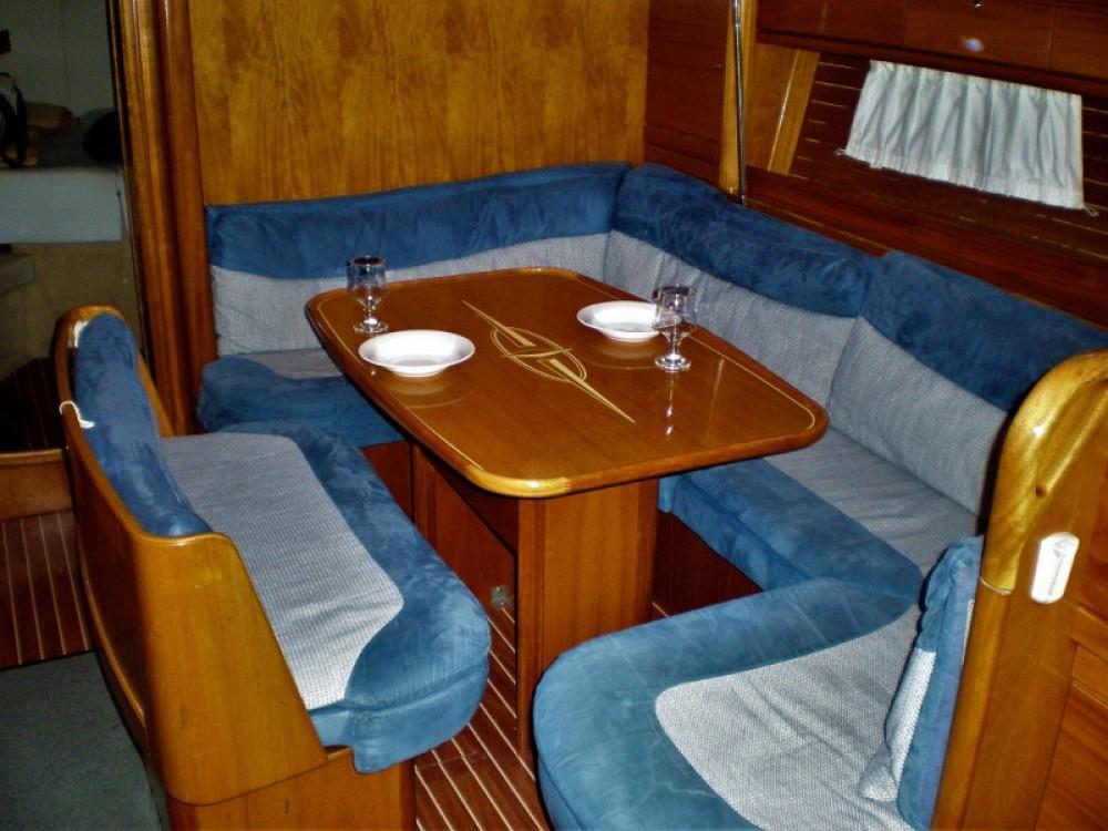 Boat rental Lefkada cheap Bavaria 39 Cruiser