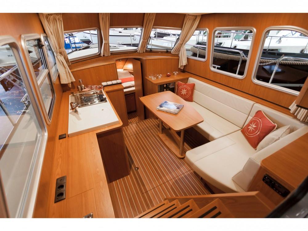 Boat rental  cheap Linssen GS 290 Traveller
