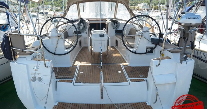 Hire Sailboat with or without skipper Jeanneau Follonica