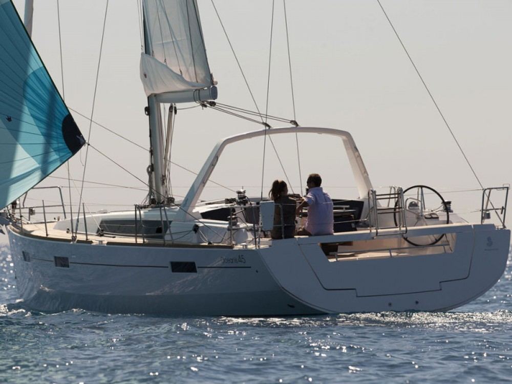 Hire Sailboat with or without skipper Bénéteau Follonica