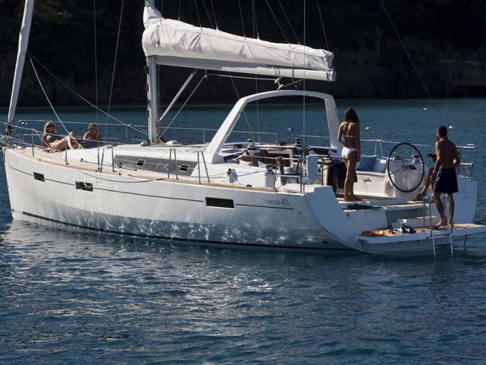 Rental yacht Follonica - Bénéteau Oceanis 45 on SamBoat
