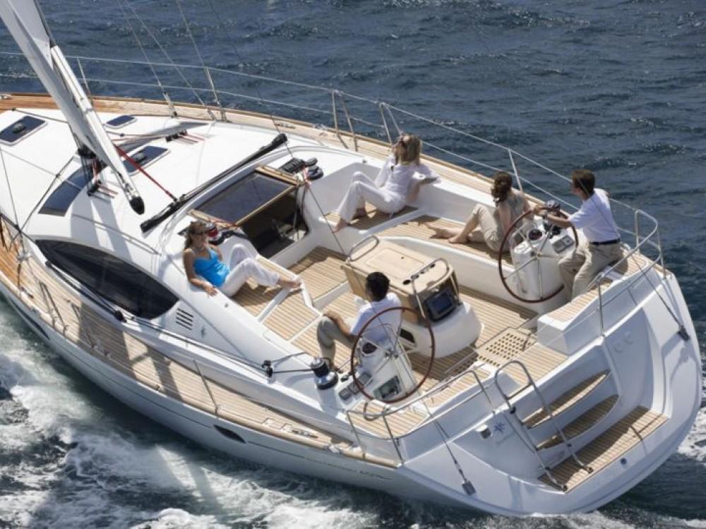 Rental yacht Follonica - Jeanneau Sun Odyssey 43 on SamBoat