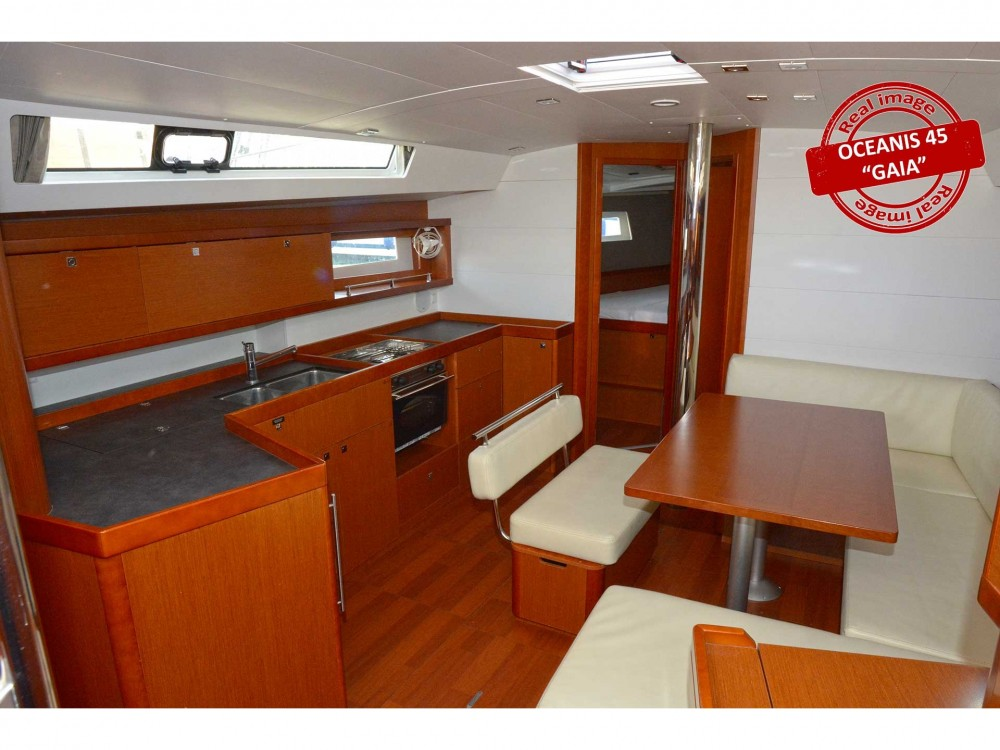 Bénéteau Oceanis 45 between personal and professional Follonica