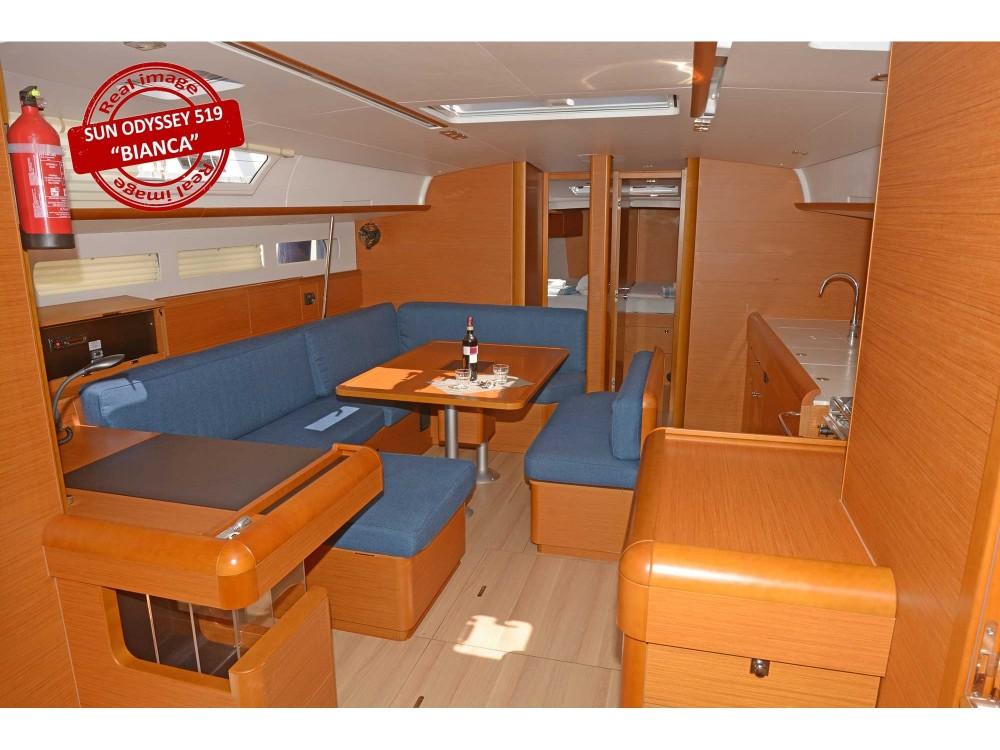 Boat rental Jeanneau Sun Odyssey 519 in Follonica on Samboat