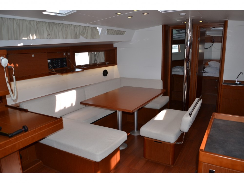 Boat rental Bénéteau Oceanis 48 in Follonica on Samboat