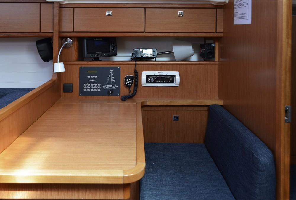 Boat rental Bavaria Bavaria Cruiser 41 in Skiathos on Samboat