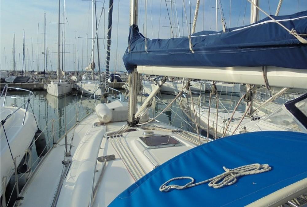 Rental Sailboat in Castiglione della Pescaia - Bavaria Bavaria 39 Cruiser
