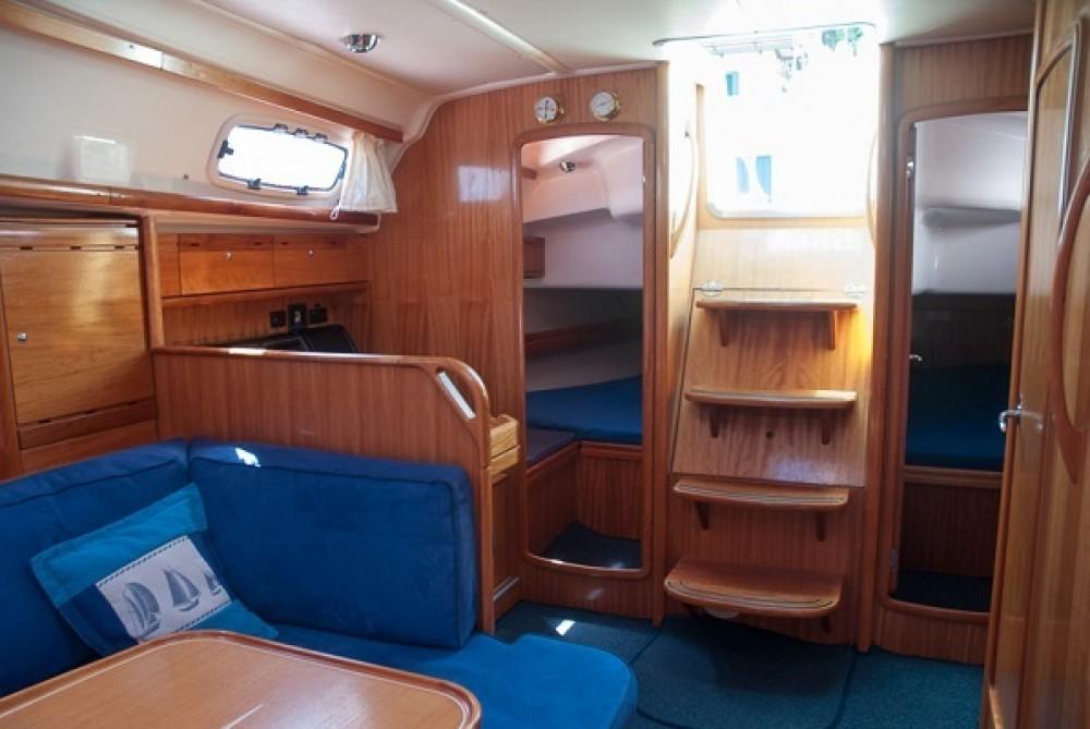 Boat rental Bavaria Bavaria 39 Cruiser in Castiglione della Pescaia on Samboat
