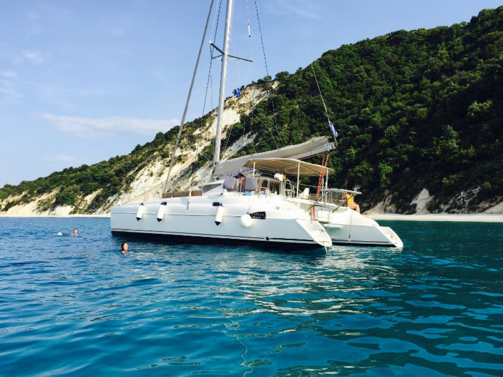 Rental yacht Lefkada - Fountaine Pajot Athena 38 on SamBoat