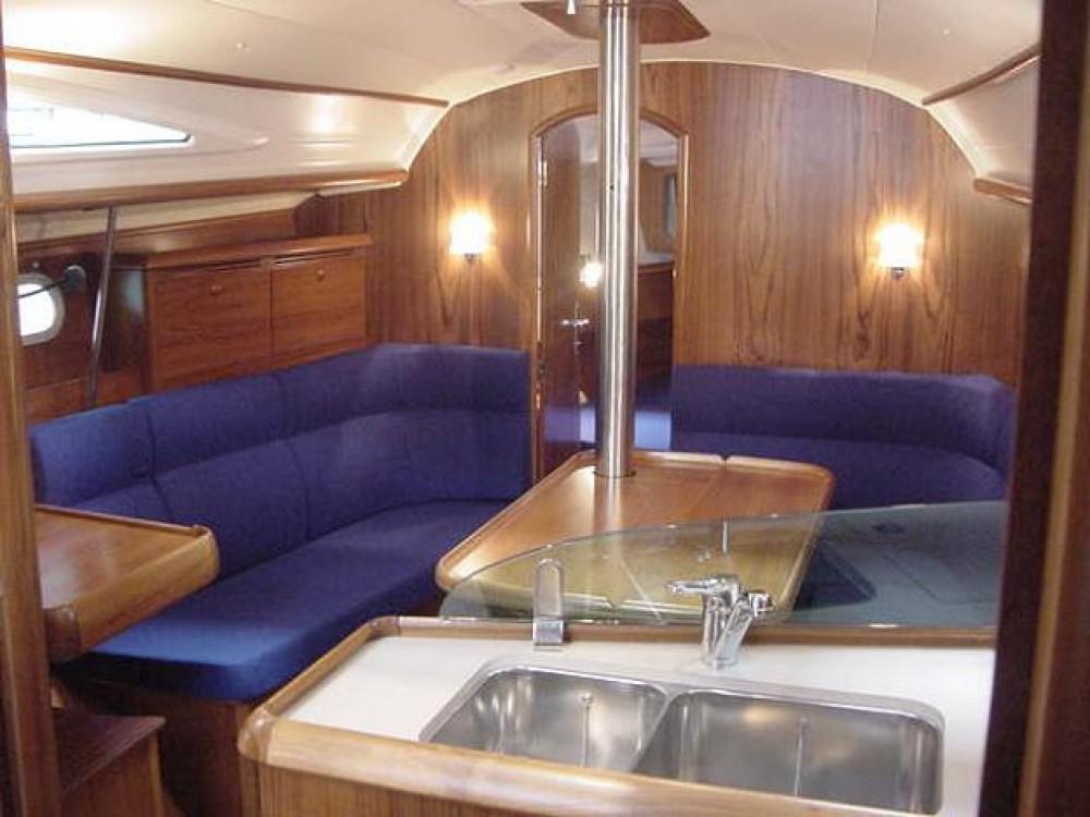 Rental yacht Álimos - Jeanneau Sun Odyssey 35 on SamBoat