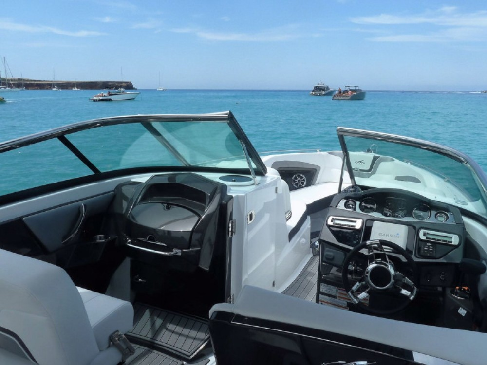 Motorboat for rent Îles Baléares at the best price