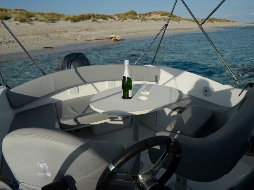 Rental yacht Marina Botafoch - Bénéteau Beneteau Flyer 650 on SamBoat