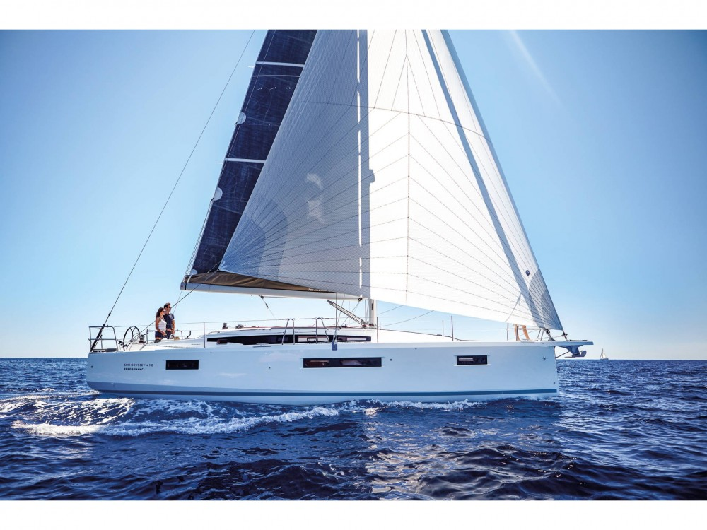 Rental Sailboat in Nettuno - Jeanneau Sun Odyssey 410
