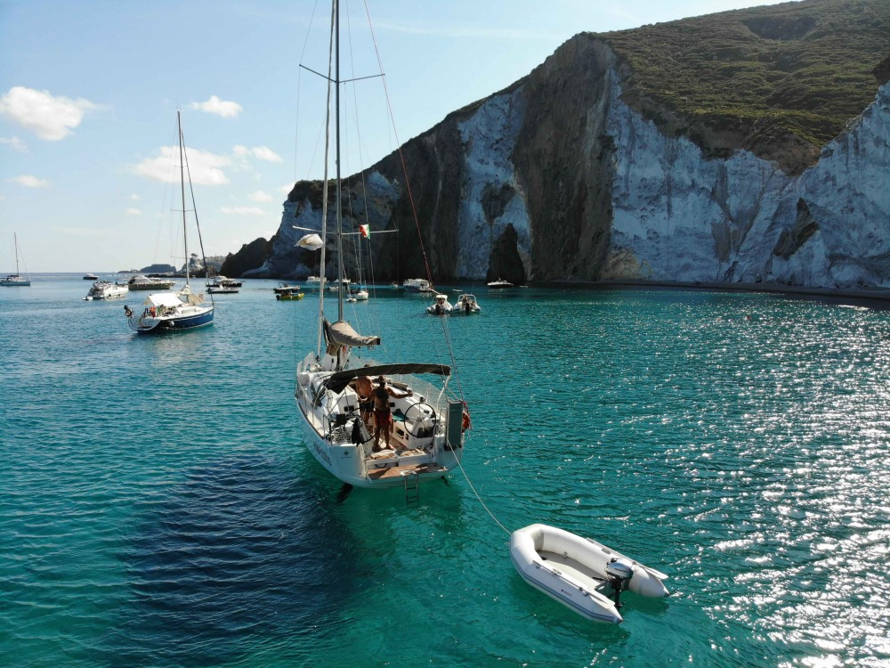 Hire Sailboat with or without skipper Jeanneau Nettuno