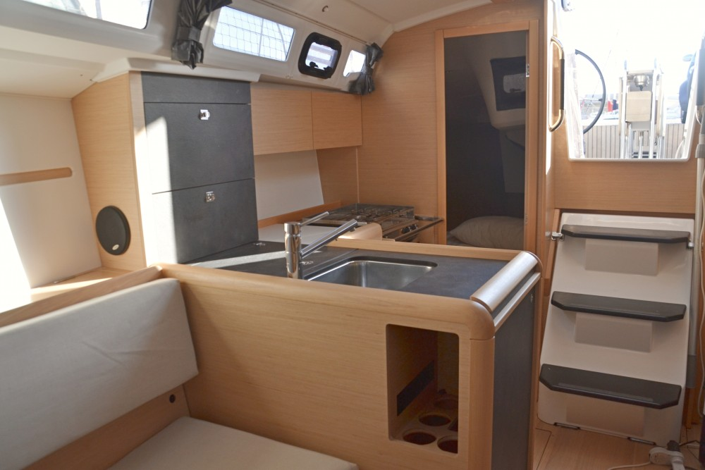 Jeanneau Sun Odyssey 349 between personal and professional Nettuno