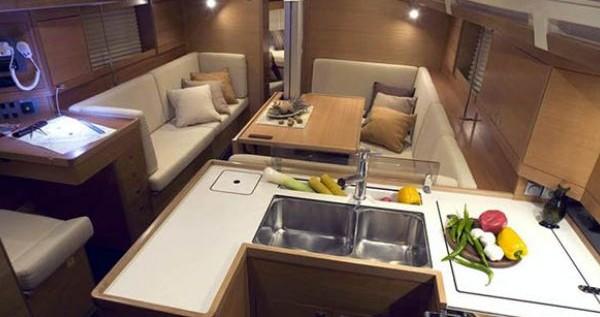 Rental yacht Nettuno - Elan Elan 410 on SamBoat