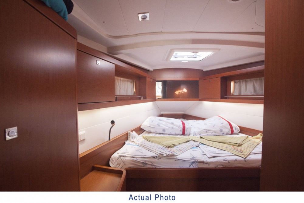 Hire Sailboat with or without skipper Bénéteau Bursa