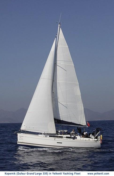 Rental Sailboat in Orhaniye - Dufour Dufour 335 GL