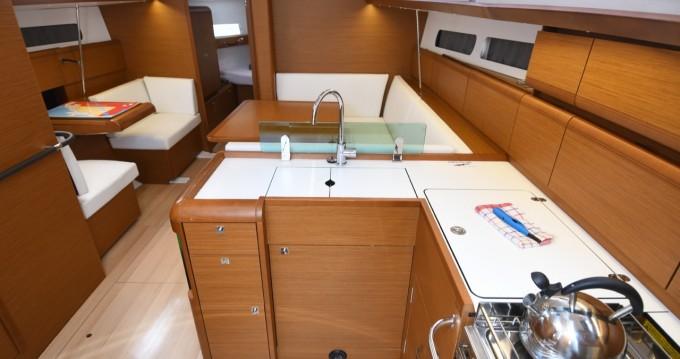 Rental yacht Dubrovnik - Jeanneau Sun Odyssey 419 on SamBoat