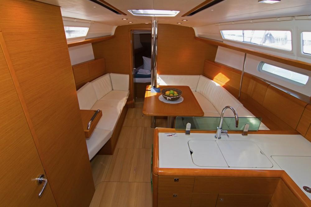 Rental Sailboat in Split - Jeanneau Sun Odyssey 389