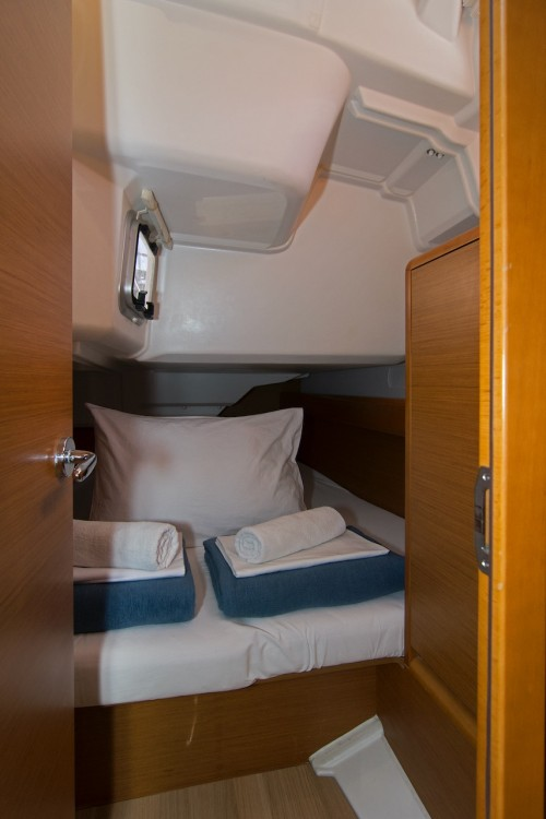 Jeanneau Sun Odyssey 389 between personal and professional Split