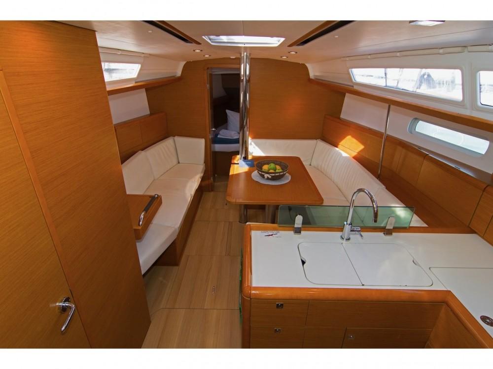 Jeanneau Sun Odyssey 389 between personal and professional Split