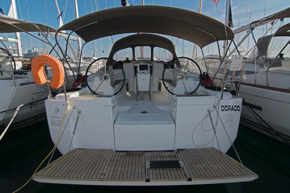 Boat rental Jeanneau Sun Odyssey 419 in Split on Samboat