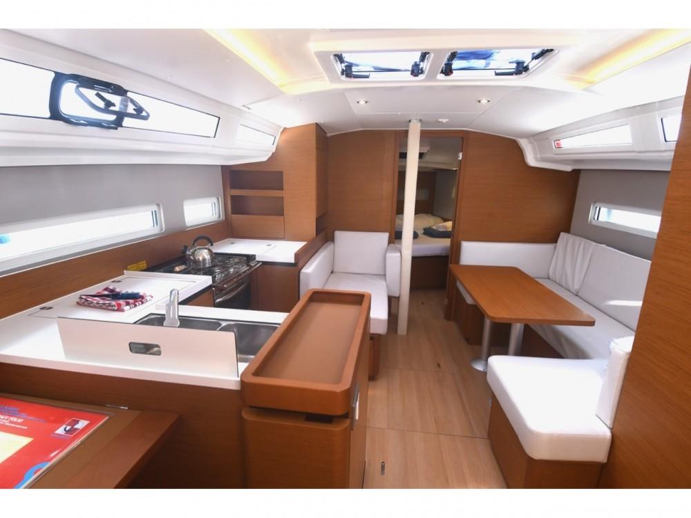 Rental Sailboat in ACI Marina Dubrovnik - Jeanneau Sun Odyssey 410