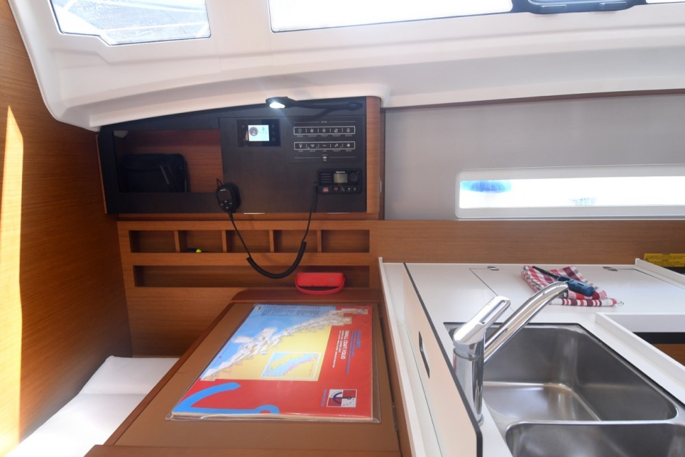 Jeanneau Sun Odyssey 410 between personal and professional ACI Marina Dubrovnik