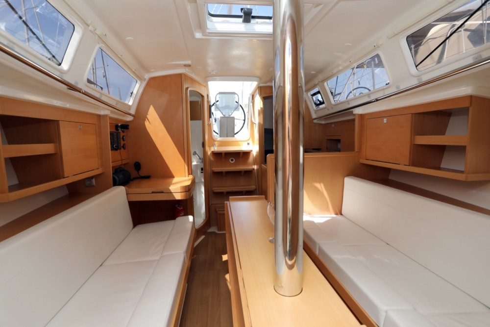 Rental yacht Pula - Jeanneau Sun Odyssey 319 on SamBoat