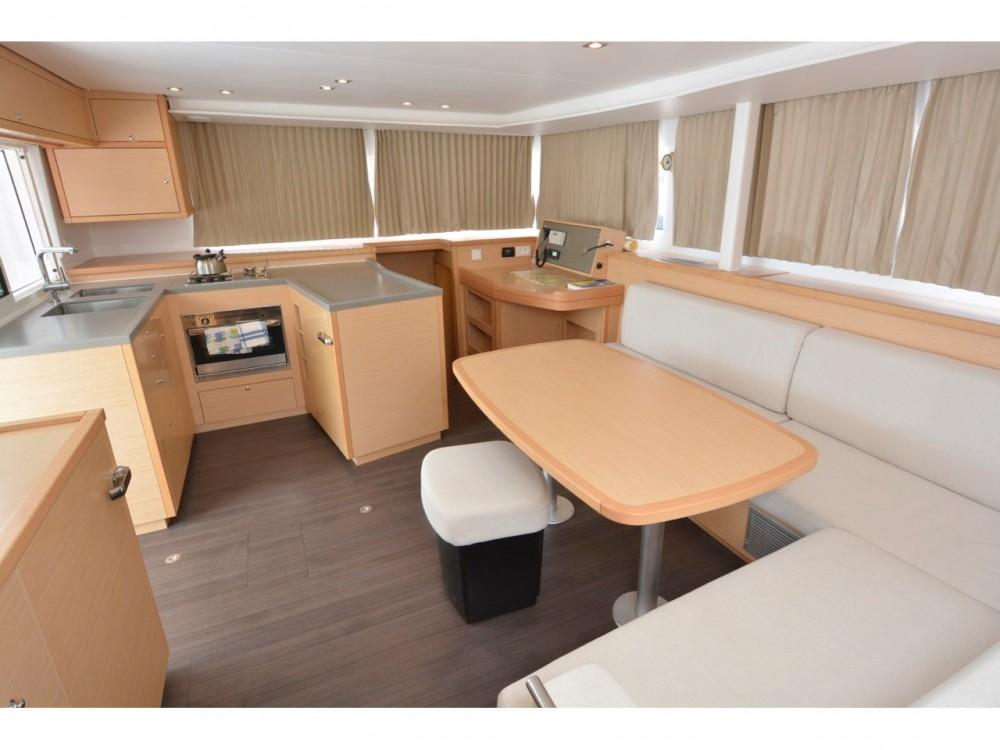 Rental Catamaran in Dubrovnik - Lagoon Lagoon 450  Flybridge