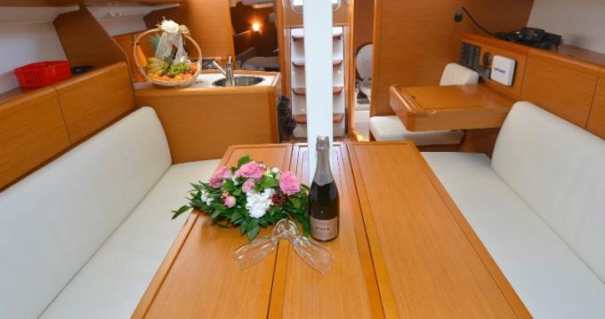 Boat rental Jeanneau Sun Odyssey 33i in Dubrovnik on Samboat