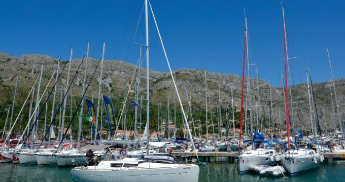 Rental yacht Dubrovnik - Jeanneau Sun Odyssey 33i on SamBoat