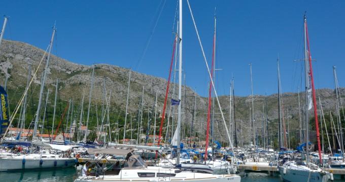 Rent a Jeanneau Sun Odyssey 33i Dubrovnik