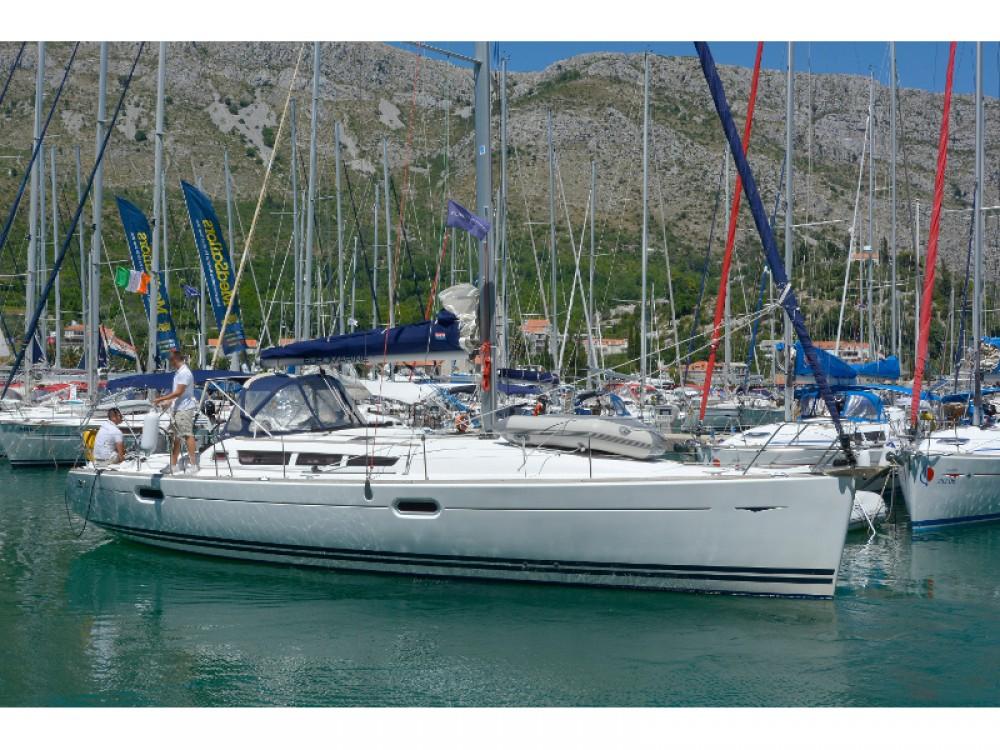 Rental yacht Komolac - Jeanneau Sun Odyssey 42i on SamBoat